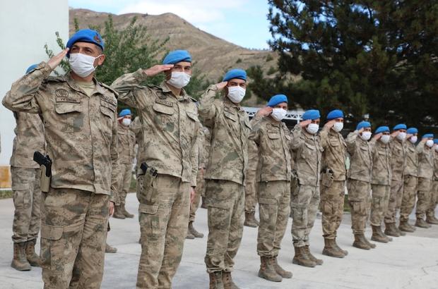42 Askere teşekkür belgesi Kastamonu Bozkurt ilçesi ve Sinop ilinde ağustos ayında yaşanan sel felaketinin ardından Sivas Jandarma Asayiş Komando Bölük Komutanlığından bölgeye giderek çalışmalara katılan 42 askeri personele teşekkür belgesi verildi